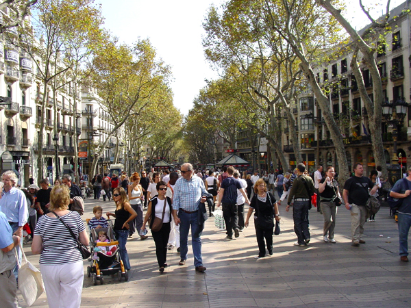 Las ramblas in barcelona guide to the main barcelona for Appartement barcelone piscine