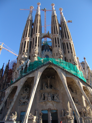 sagrada familia cathedral in barcelona bcn rentals guide to the unfinished cathedral by antonin. Black Bedroom Furniture Sets. Home Design Ideas